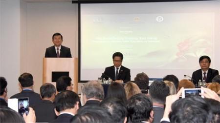 Chủ tịch nước Trương Tấn Sang dự tọa đàm doanh nghiệp Việt Nam - Hoa Kỳ về tác động của Hiệp định Đối tác xuyên Thái Bình Dương (TPP) đối với doanh nghiệp hai nước.