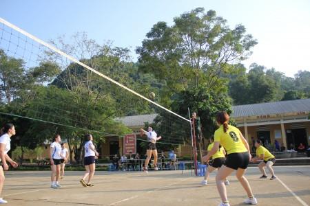 """Hoạt động thể thao kỷ niệm """"Ngày Phụ nữ Việt Nam"""" của phụ nữ Bộ CHQS tỉnh Sơn La."""