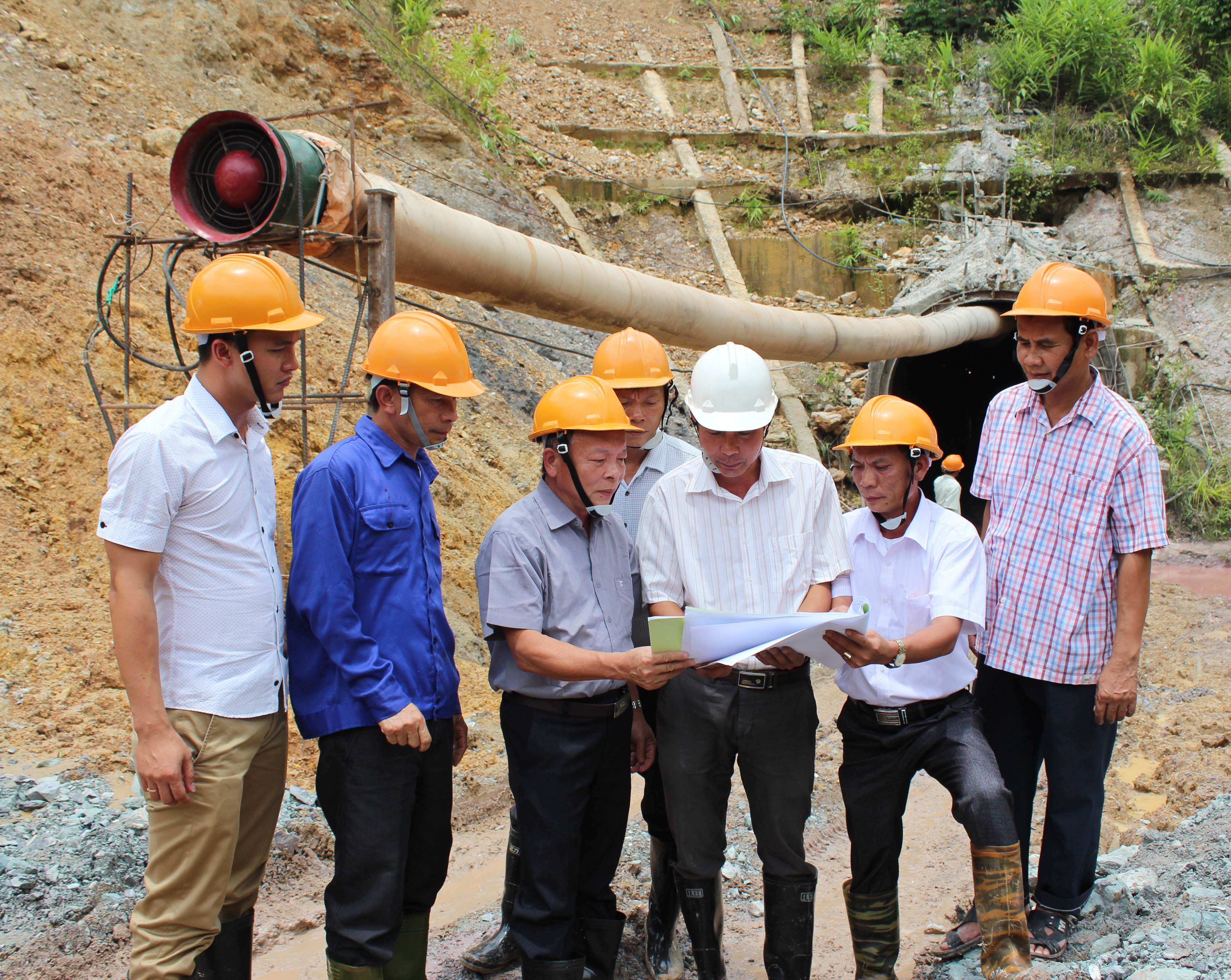 10 năm trên đất bạn Lào