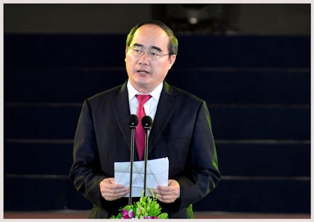 Đồng chí Nguyễn Thiện Nhân phát biểu khai mạc chương trình.
