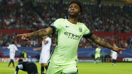 Raheem Sterling ăn mừng bàn mở tỉ số cho Man City. Ảnh: Reuters