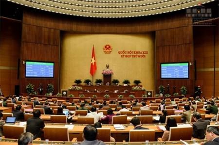 Quốc hội biểu quyết thông qua Luật QNCN và CN, VCQP với 84,82% đại biểu tán thành. Ảnh: Cổng TTĐT