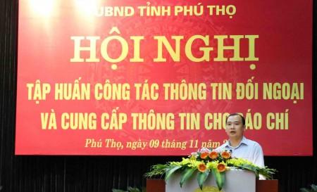 TS. Lê Hải Bình, Vụ trưởng Vụ Thông tin Báo chí giới thiệu các nội dung cho lớp tập huấn