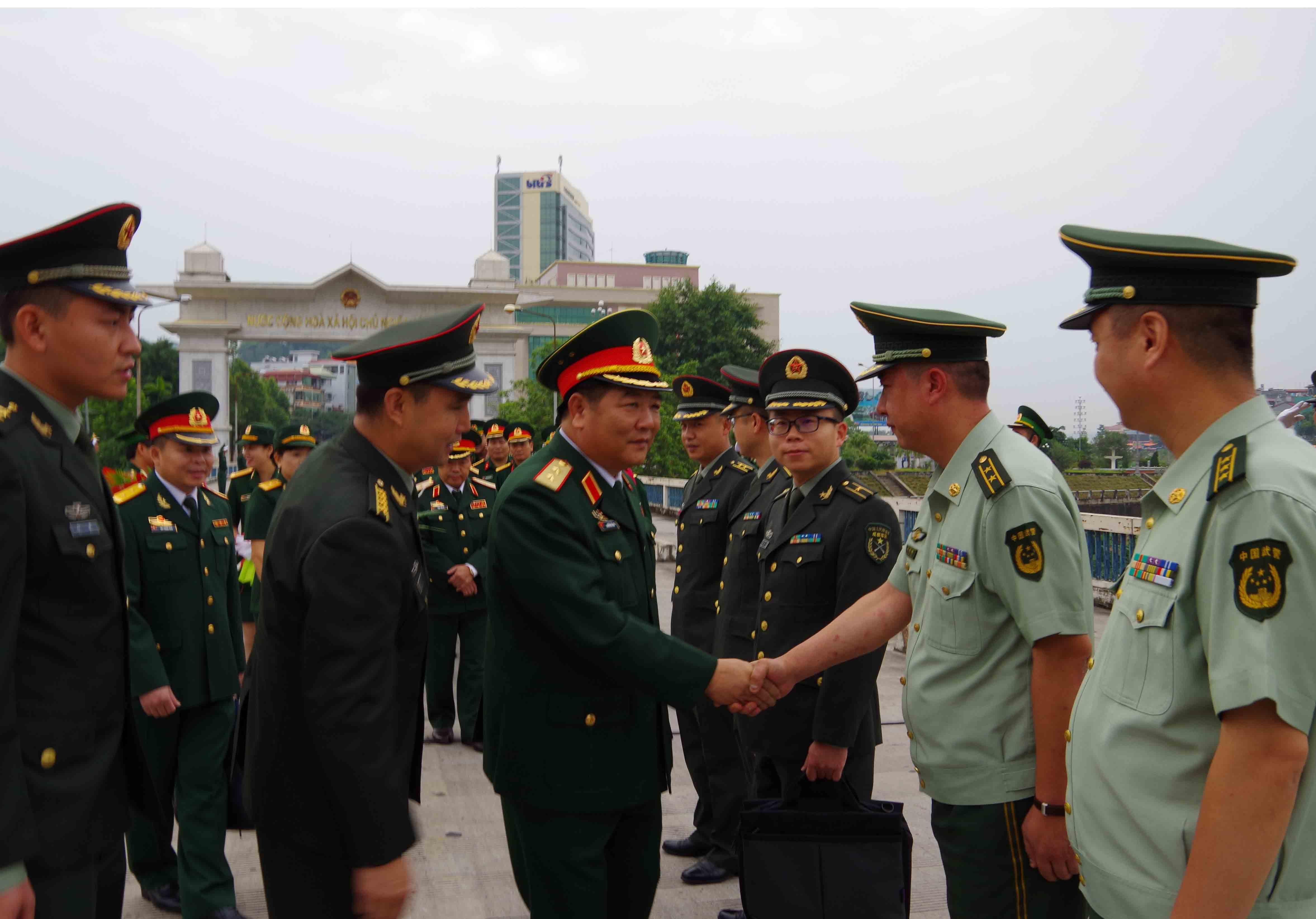 Một số hình ảnh của Đoàn cán bộ Quân khu 2 thăm Trung Quốc
