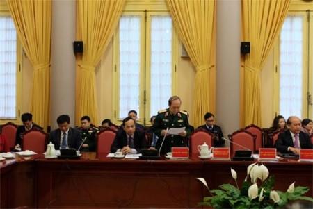 Thiếu tướng Tô Viết Báo, Cục trưởng Cục Quân lực, tại buổi họp báo.