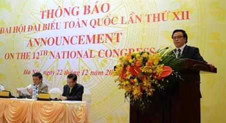 Đồng chí Hoàng Bình Quân thông tin về Đại hội Đảng toàn quốc lần thứ XII tới Đoàn ngoại giao và các tổ chức quốc tế ở Việt Nam.