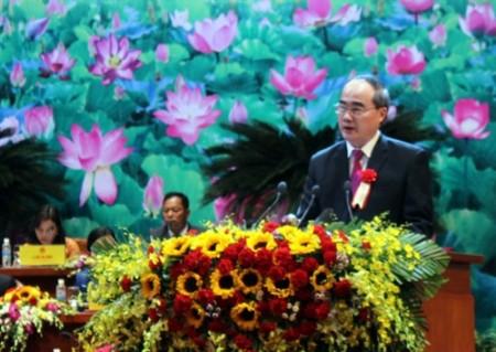 Chủ tịch Ủy ban Trung ương Mặt trận Tổ quốc Việt Nam Nguyễn Thiện Nhân hưởng ứng phát động thi đua của Thủ tướng Chính phủ.