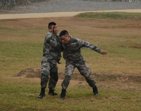 Trình diễn võ thuật của lực lượng Biên phòng tỉnh Quảng Tây Trung Quốc.