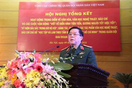 Trung tướng Nguyễn Trọng Nghĩa, Ủy viên Trung ương Đảng, Phó Chủ nhiệm Tổng cục Chính trị phát biểu chỉ đạo hội nghị.