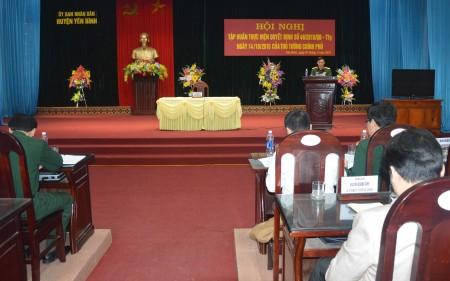 Lãnh đạo UBND huyện Yên Bình triển khai giao nhiệm vụ cho các cơ quan và các xã, thị trấn.