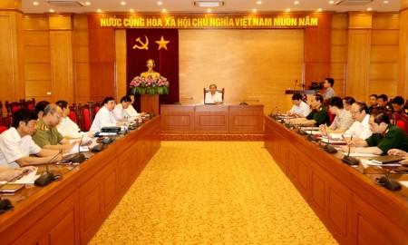 Đồng chí Nguyễn Văn Trì, Phó Bí thư Tỉnh ủy, Chủ tịch UBND tỉnh chủ trì hội nghị. Ảnh Văn Hiên