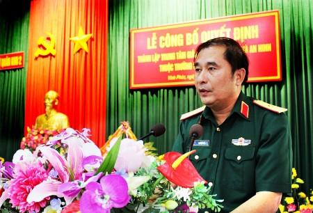 Thiếu tướng Phùng Sĩ Tấn phát biểu chỉ đạo tại buổi lễ.