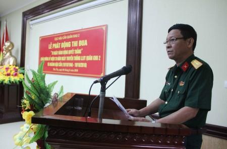Đại tá Cao Văn Hùng, Chính ủy Cục Hậu cần Quân khu phát động đợt thi đua.