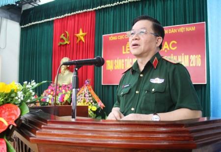 Trung tướng Nguyễn trọng Nghĩa, Phó Chủ nhiệm Tổng cục Chính trị phát biểu khai mạc Trại sáng tác Mỹ thuật toàn quân 2016.
