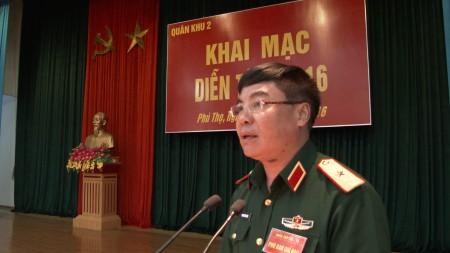Thiếu tướng Phạm Đức Duyên, Phó Chính ủy QK phát biểu chỉ đạo.