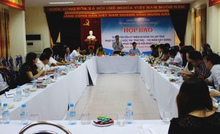 Quang cảng buổi họp báo.