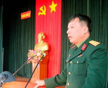 Đại tá Hoàng Hữu Thanh, Trưởng phòng Tài chính Quân khu phát biểu tại hội nghị.