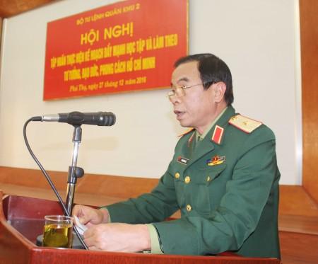Thiếu tướng Hoàng Hữu Thế, Chủ nhiệm Chính trị Quân khu chủ trì hội nghị tập huấn.