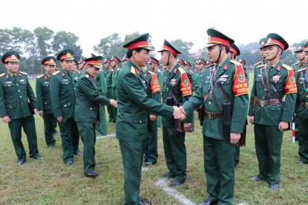 Đại tá Trần Minh Phong và cơ quan kiểm tra động viên lực lượng KSQS trước giờ xuất quân.