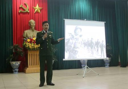 Tiết mục tuyên truyền của Thượng úy Lê Hoài Nam về lý tưởng sống của thanh niên hiện nay.