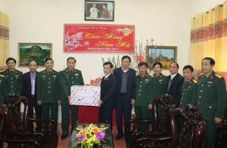 Đoàn chúc Tết Hội Cựu Chiến binh tỉnh.