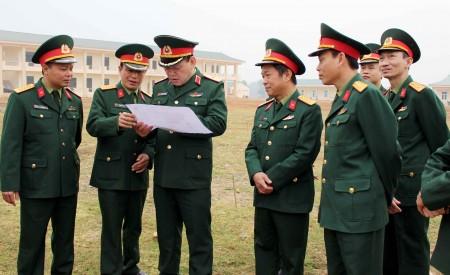 Thiếu tướng Hoàng Ngọc Dũng, Phó Tư lệnh Quân khu kiểm tra công tác quy hoạch xây dựng cơ bản doanh trại Tiểu đoàn 5, Trung đoàn 148, Sư đoàn 316.