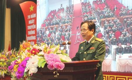 Đại tá Dương Trung Dũng, Hiệu trưởng Nhà trường đọc diễn văn kỷ niệm.