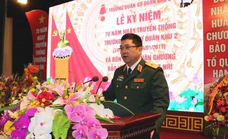 Thiếu tướng Nguyễn Hồng Thái, Phó Tư lệnh Quân khu phát biểu chúc mừng Nhà trường.