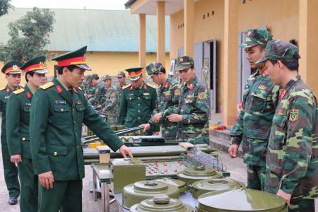 Lữ đoàn luôn coi trọng công tác củng cố, làm mới mô hình, học cụ phục vụ công tác huấn luyện.