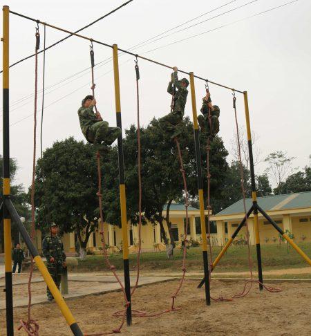 Các đơn vị thường xuyên chú trọng đến hoạt động rèn luyện thể lực của bộ đội.