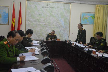 Thiếu tướng Nguyễn Thái Bình phát biểu tại buổi làm việc.