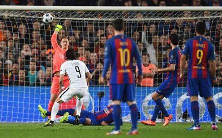 Cavani gỡ lại một bàn cho PSG ở phút 62. Ảnh: Dailymail