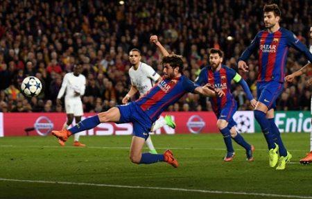 Sergi Roberto ghi bàn thắng quan trọng giúp Barca vượt qua PSG để góp mặt ở tứ kết Champions League. Ảnh: Dailymail