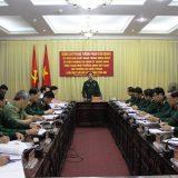 Trung tướng Phan Văn Giang, Ủy viên Trung ương Đảng, Ủy viên Thường vụ Quân ủy Trung ương, Tổng Tham mưu trưởng QĐND Việt Nam, Thứ trưởng Bộ Quốc phòng chỉ trì làm việc tại Bộ CHQS tỉnh Yên Bái.