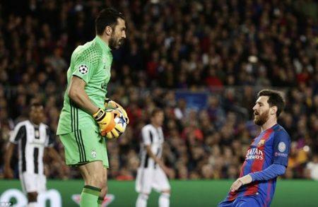 Những chân sút xuất sắc như Messi hay Neymar bất lực trước hàng thủ kiên cố của Juventus dưới sự chỉ huy của Buffon và Chiellini. Ảnh: Dailymail