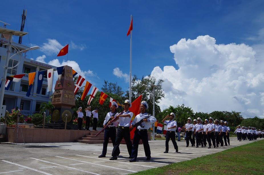 Tình quân dân trên đảo Trường Sa