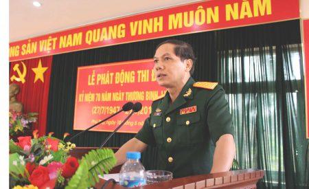 Đại tá Lê Văn Hải, Phó Chủ nhiệm Chính trị Quân khu phát biểu chỉ đạo.